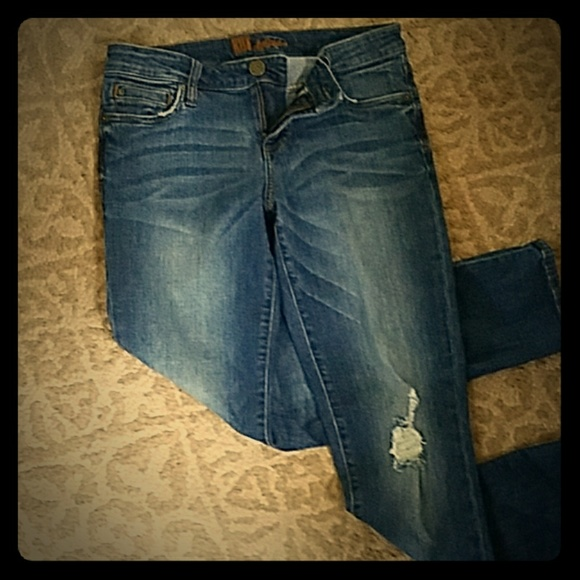 Kut from the Kloth Denim - Lightly distressed KUT jeans size 6
